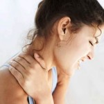 girl neck pain